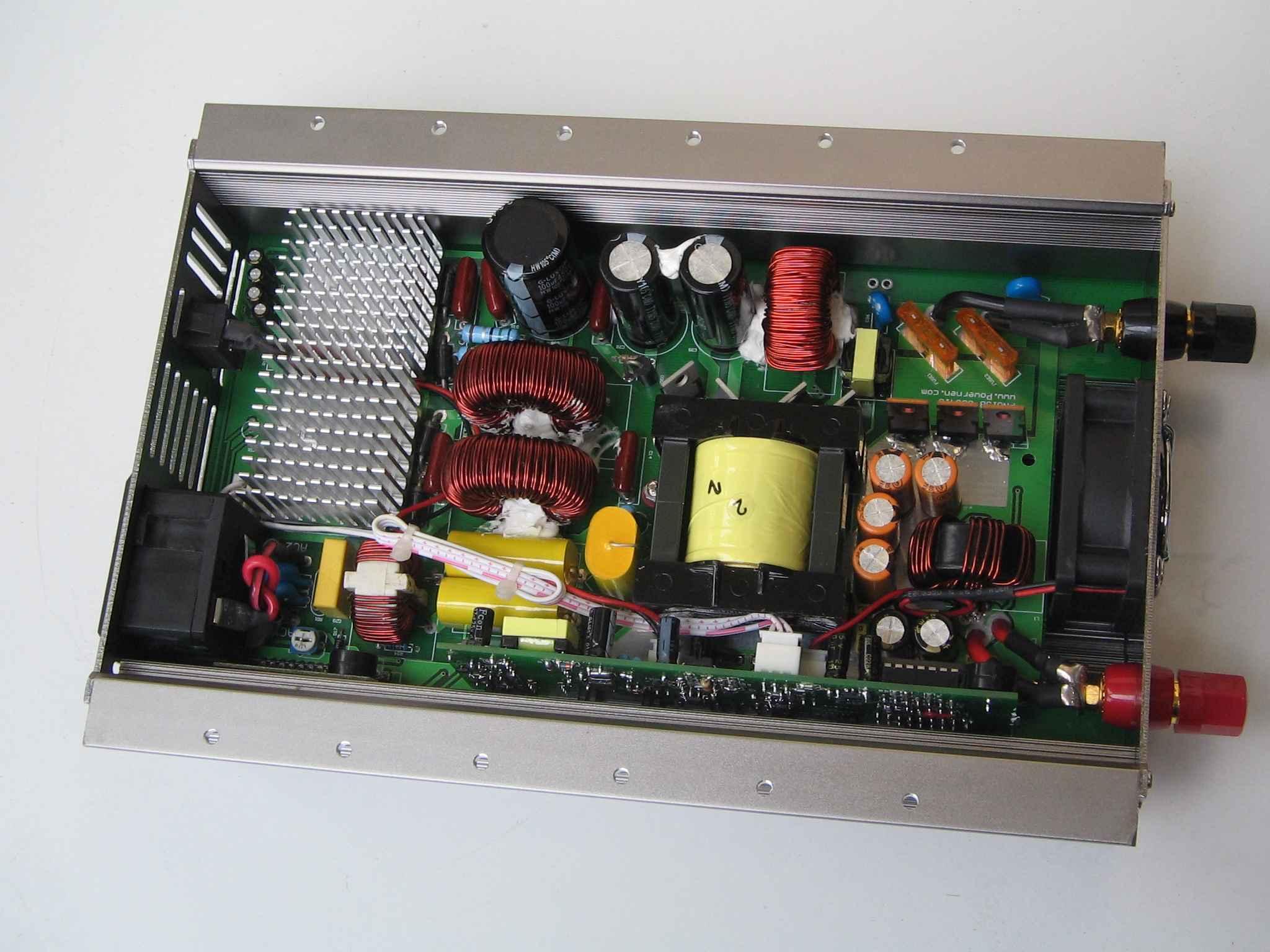 这两张是冰箱压缩机在还带有压力的情况下启动的电压和电流的波形.(由于测试时没有注意,电流波形是反相的) 在这种情况下,带13~15秒钟,冰箱压缩机因长时间不能正常启动而自动保护.(注:如用市电给冰箱供电,带压力启动约13秒,冰箱也会自动保护) 500) {this.resized=true; this.width=500; this.