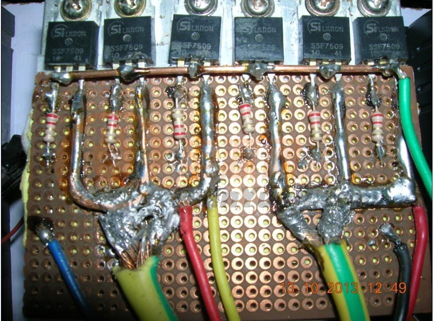 太阳能控制器可以并联吗?